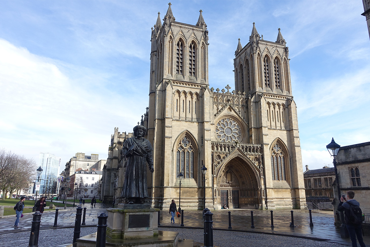 Au pairs trip to Bristol